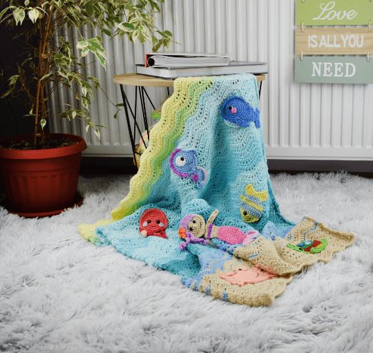 Appliques crochet baby blanket- Undersea sweetness