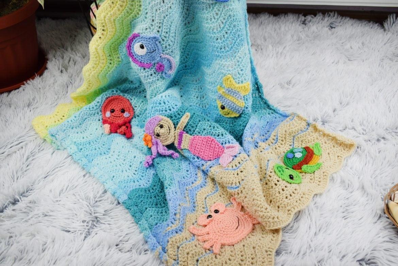 Appliques crochet baby blanket undersea sweetness